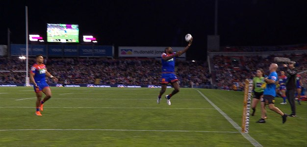 Watch: Mann pops it over to Lee