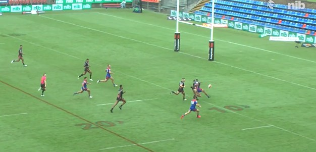 Watch: Roberts-Davis flick pass leads to stunning try